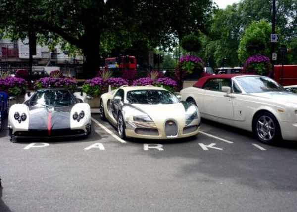 Foreign Playboys Illegally Race Their Super Cars In Downtown